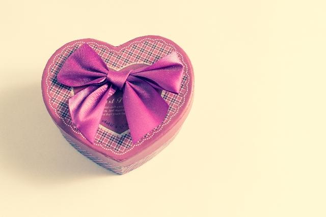 AB型の彼女と遠距離恋愛中なら優しい言葉やちょっとしたプレゼントを送るのが関係維持のコツです