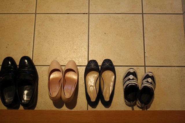 実は一番大事!?玄関まわりでやってはいけない風水まとめ~ぬいぐるみ・鏡・靴~