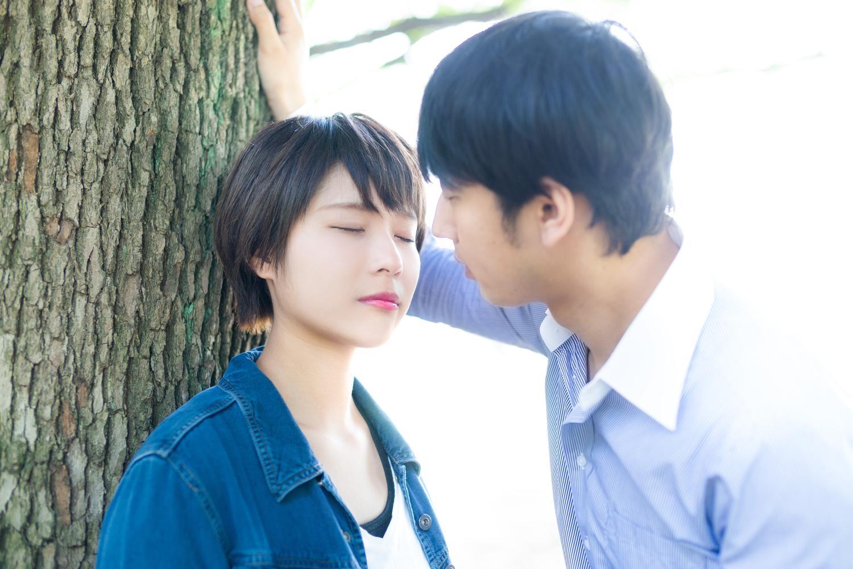 好きな人と夢の中でロマンチックなキス…それ、もしかして不満のサインかも?