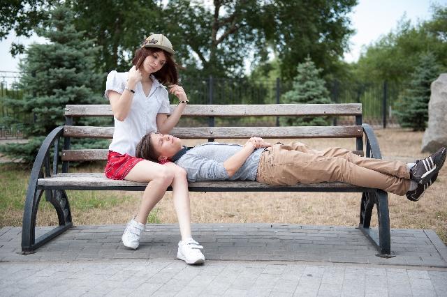 膝枕の夢はあなたの心が「守られたい」という思いや安心や愛情を求めているという暗示です
