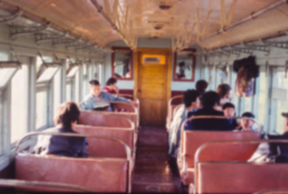 異性と二人で電車に乗る夢は吉夢?夢占いで知る運勢の良し悪しには夢見心地も重要