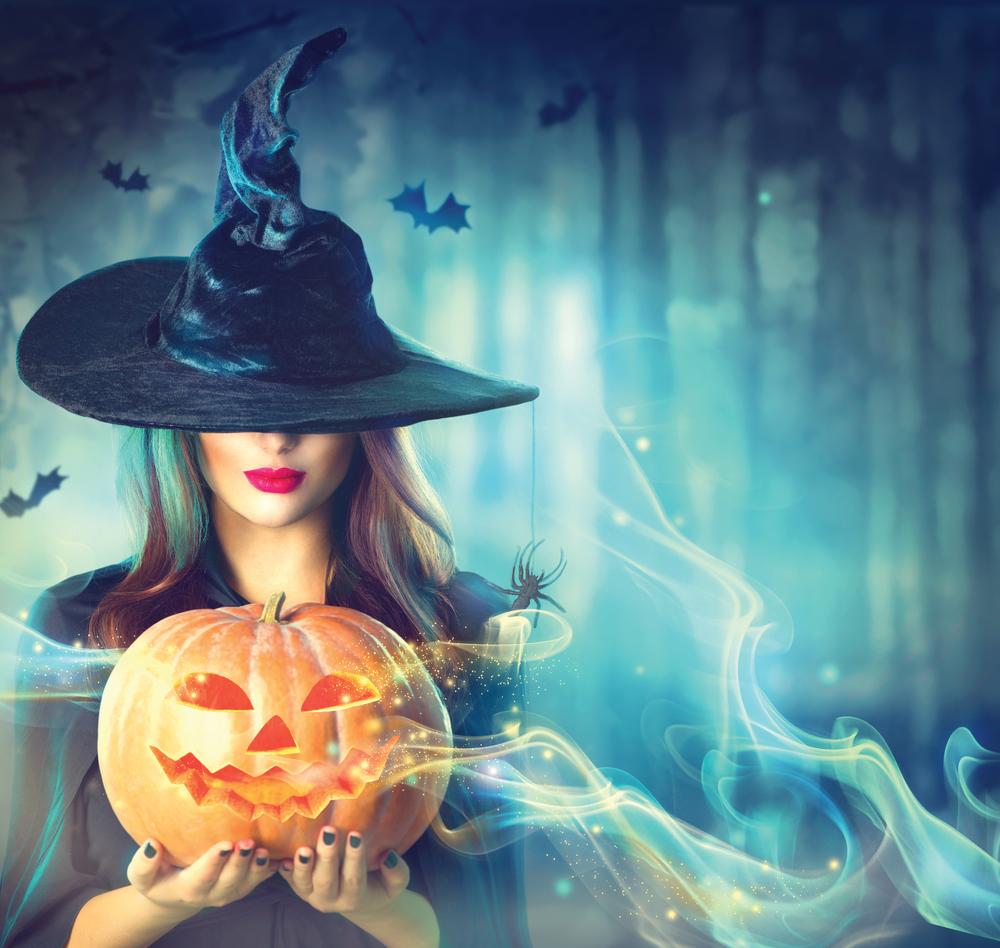 ハロウィンと魔女の知られざる関係とは?実は占いとも深い関係が有るんです